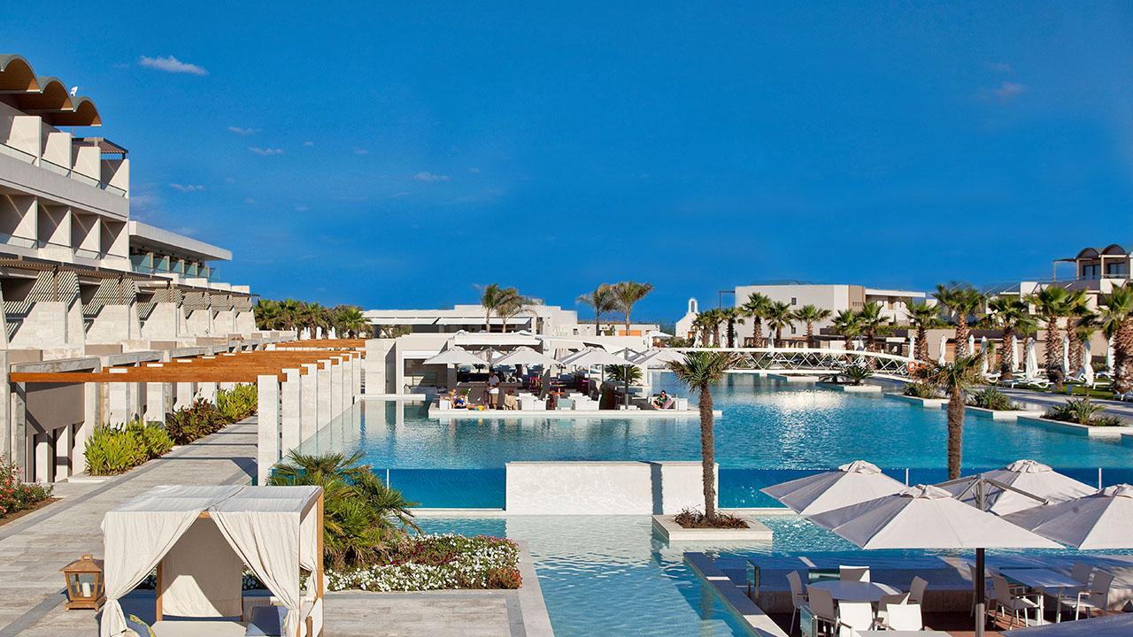 Hotel Avra Imperial Beach Resort and Spa